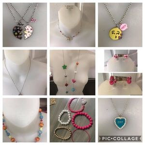 6 necklaces, 2 earrings, 5 bracelets most Claries